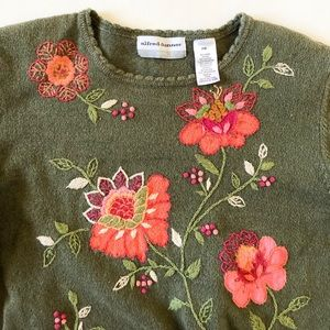 ALFRED DUNNER Vintage Fall Embroidered Sweater